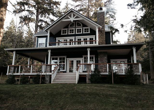 Luxury Waterfront 4 bedroom w/Private Beach Access and Sauna - Image 1 - Greenbank - rentals