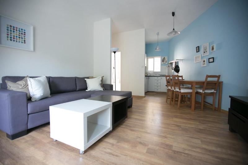 Renovated Apartment - Classic  Urban Renovated 2Rooms Apt: Central TLV - Gedera - rentals