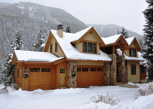 This is the most spectacular 6 bedroom 5.5 bathroom home in East Vail - Image 1 - Vail - rentals
