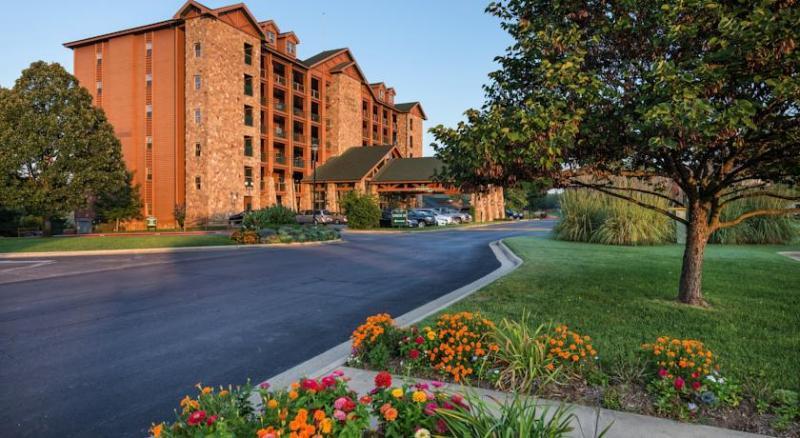 Resort Exterior - 3 Bedroom Condo Vacation Getaway - Branson - rentals