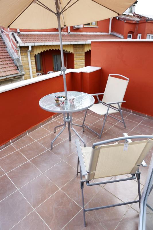 Sultanahmet - Istanbul, Studio Apt with balcony B - Image 1 - Turkey - rentals