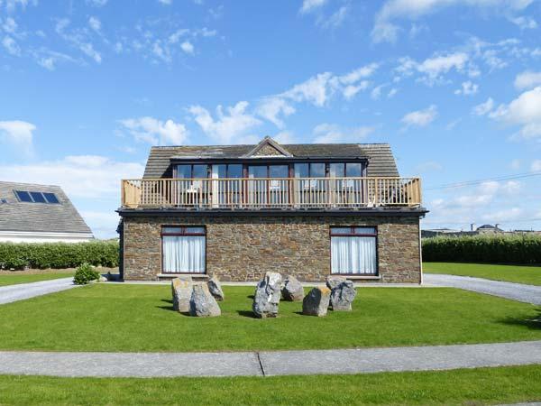 8 SEA FORT, detached cottage, upside down accommodation, stunning views, near Ballybunion, Ref. 28308 - Image 1 - Ballybunion - rentals
