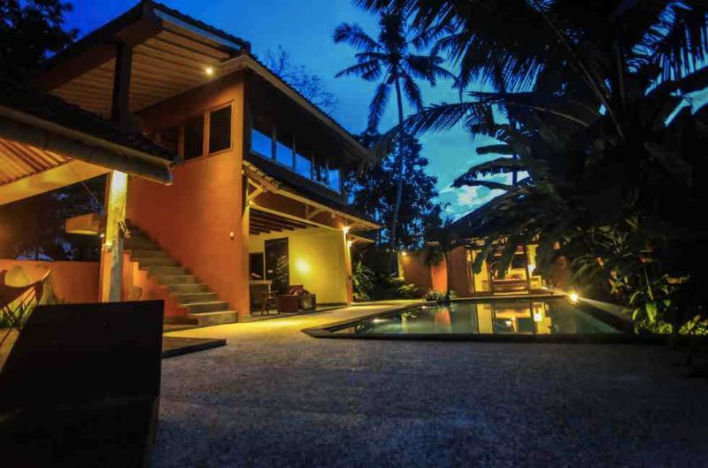 Starry night and full moon in Ubud - looking west - Stylish Hideaway Villa in Ubud - by rice fields ye - Ubud - rentals