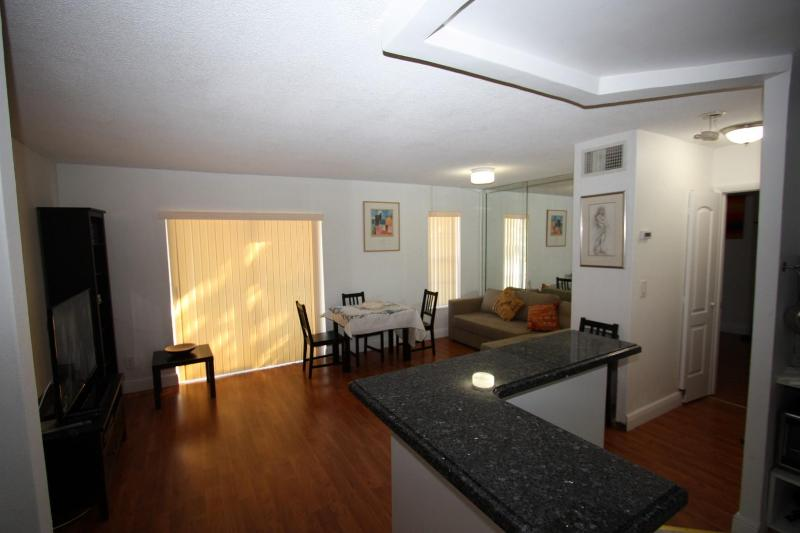 Great apartment closed to the Beach - Image 1 - Sunny Isles Beach - rentals