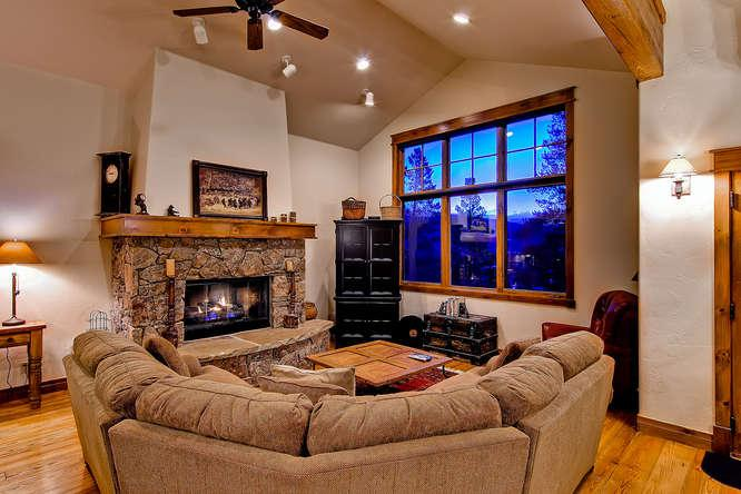 Retreat at Shock Hill - 1.5 blocks to Gondola - Image 1 - Breckenridge - rentals