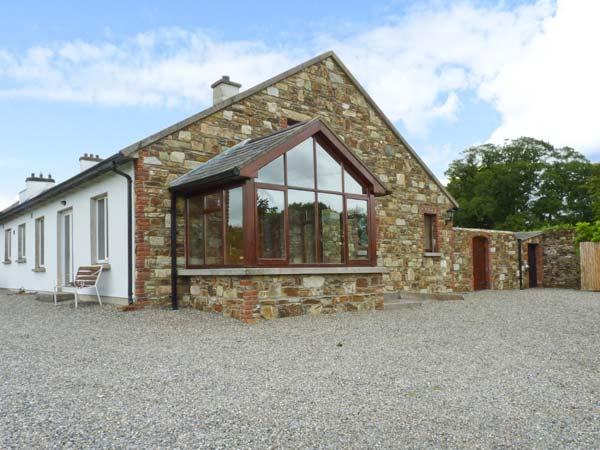 THE RANGE, semi-detached cottage, next to owner's farmhouse, parking, garden, in Enniscorthy, Ref 29694 - Image 1 - Enniscorthy - rentals