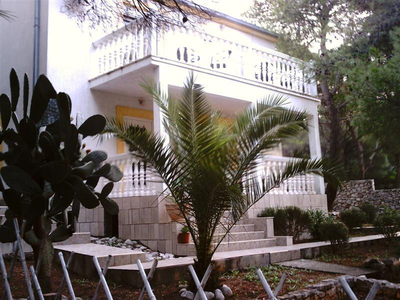 perfect summer home for 2-4 persons,island Vis - Image 1 - Vis - rentals