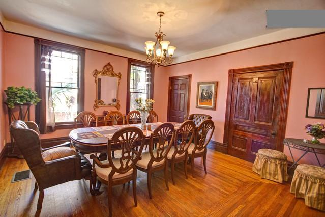 Gorgeous Dining Room with seating for 12! - DowntownVictorianVilla-Walk2All:StateSt,Dwntwn,Bch - Santa Barbara - rentals