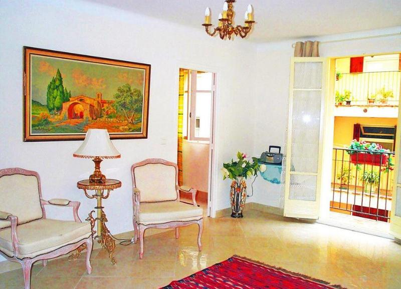 Old Town, Nice  - south-facing balcony, 1bedroom. - Image 1 - Nice - rentals