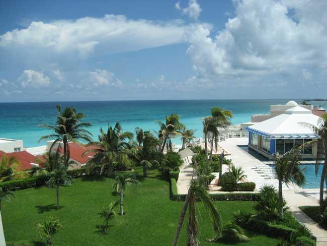GREAT VIEW FROM THE CONDO - Ocean View Studio On The Beach C406 - Cancun - rentals