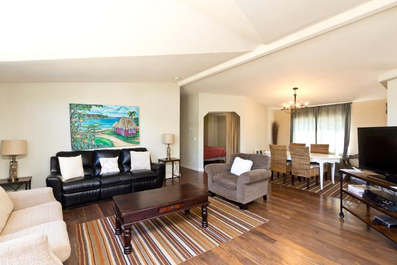 LAKE CASITAS  DELUXE LARGE CABIN SLEEPS 7 - Image 1 - Oak View - rentals