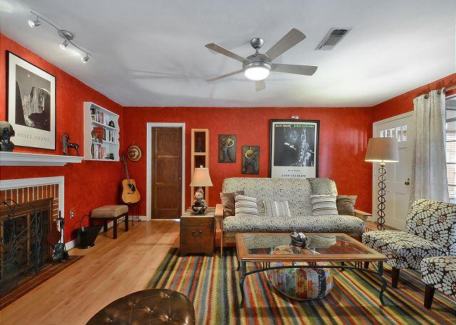 3BR/2BA Minutes Away from Downtown in Cherrywood Neighborhood! - Image 1 - Austin - rentals