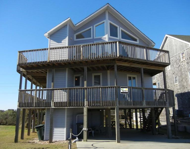 Front Ext. - Right across the street from the beach, great views! Elevator, private pool, hot tub, pets OK. - Nags Head - rentals
