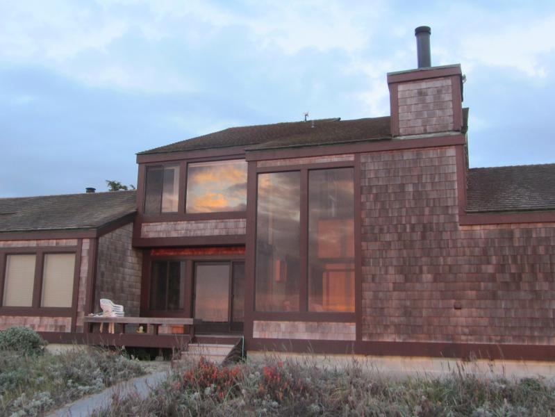 110 Monterey Dunes - Magnificent 3BR/3BA Monterey Bay Beach House - Monterey - rentals