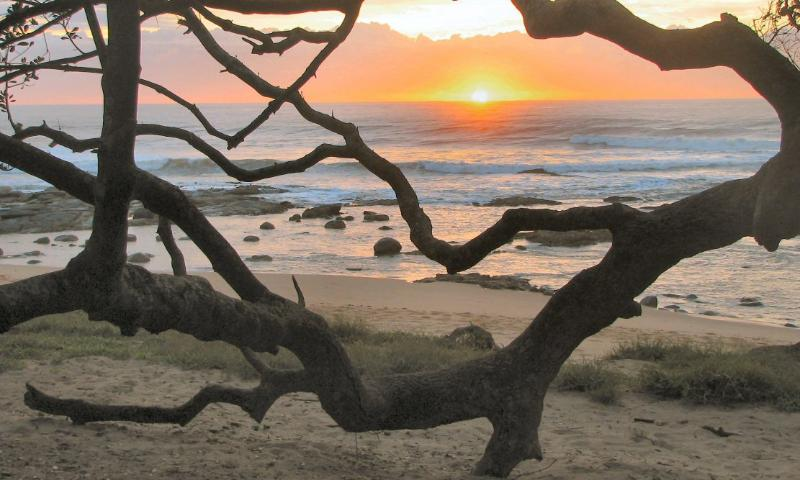 Beach at end of garden - Beach house sleeping 12 for self-catering holiday rental in Oslo Beach, KZN, South Africa - Port Shepstone - rentals