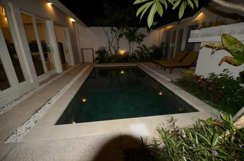 Pool view at night - Sanur Boutique Villas - Sanur - rentals