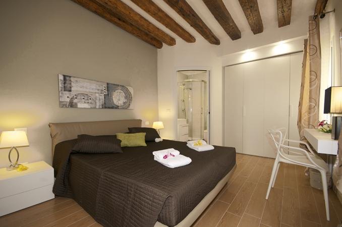 CA D'ORO CANAL VIEW - Image 1 - Venice - rentals