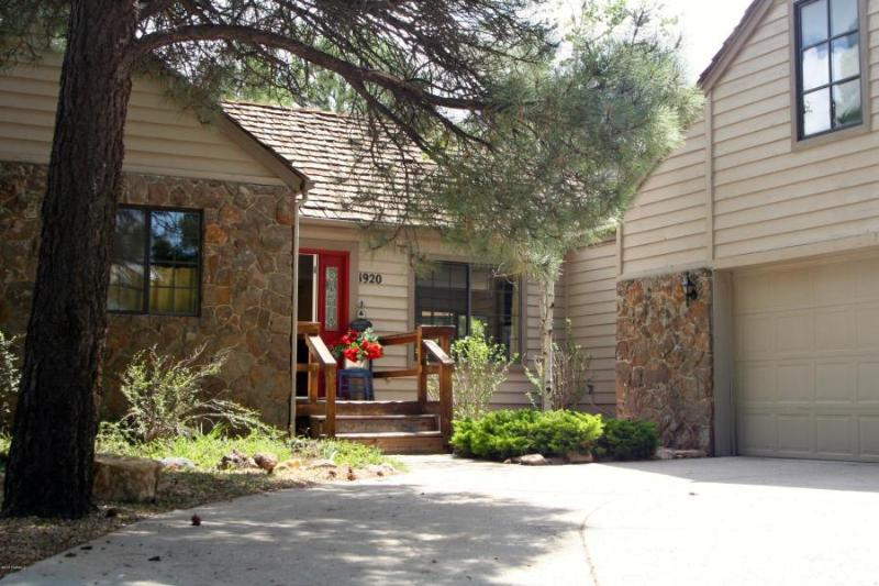 The Stone Cottage - Newly renovated 4 bedroom 2.5 bath Stone Cottage - Flagstaff - rentals