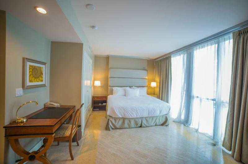 9999804 Hilton Bentley Beach Hotel Studio - Image 1 - Avon Park - rentals