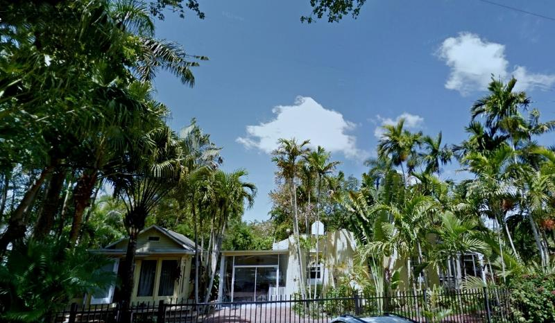 Overall view cottage on the left, house in the middle, studio on the right - 12P*Reunions*Large&Charming Property/Coconut Grove - Coconut Grove - rentals