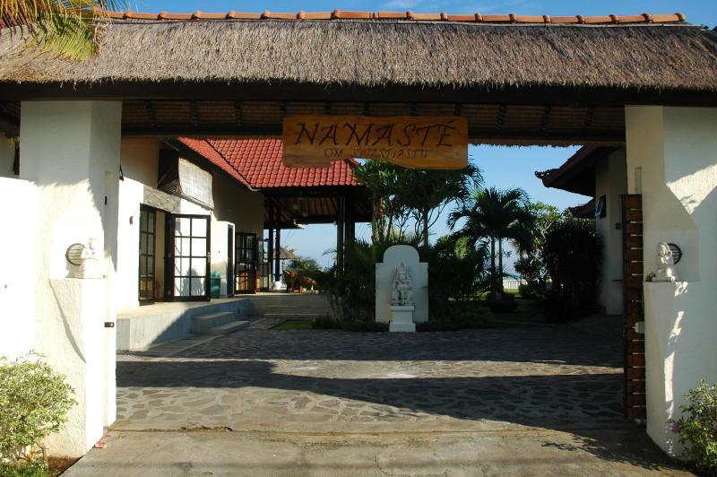 Gate - Villa NAMASTE is a Luxury beachfront villa with swimming pool and staff - Dencarik - rentals