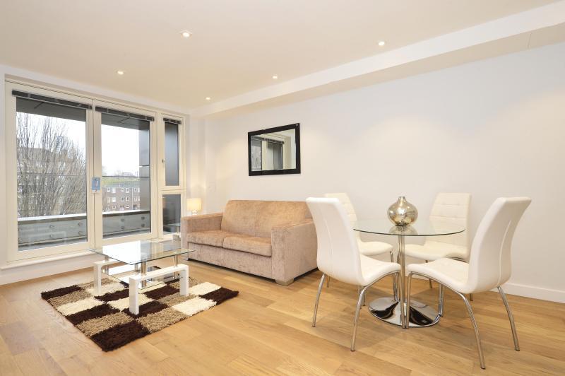 The Spitalfields 1 Bedroom 1 Bathroom Apartment - Image 1 - Islington - rentals