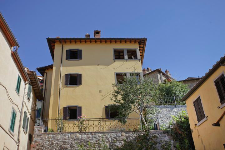 Luisella, unique panoramic Villa with garden in th - Image 1 - Cortona - rentals