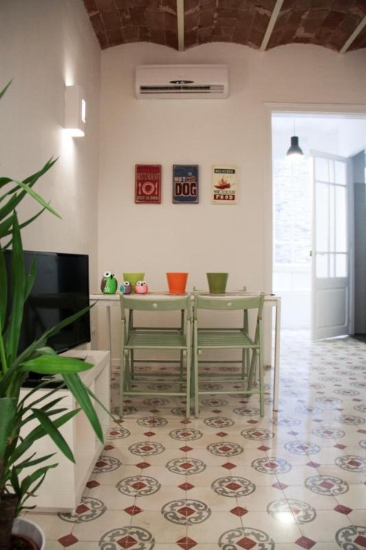 Spacious Apartment nearby Plaza España - Image 1 - Barcelona - rentals