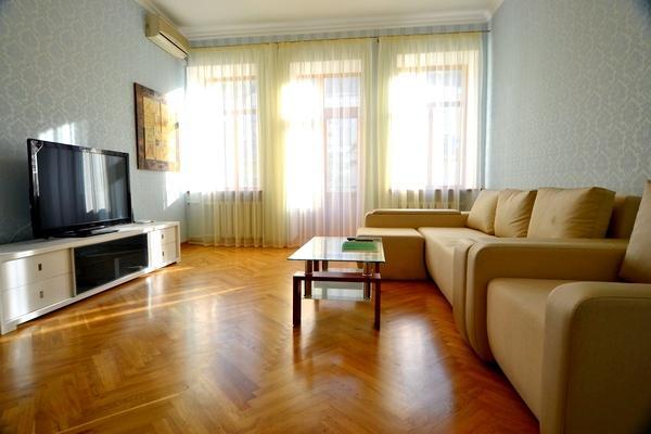 816, 20 Mala Zhitomirska, 2 bedr, close to Maydan - Image 1 - Kiev - rentals
