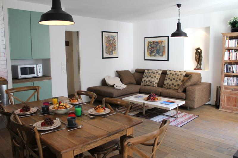 Marais Style - Unique 2 bedroom apartment - Image 1 - Paris - rentals