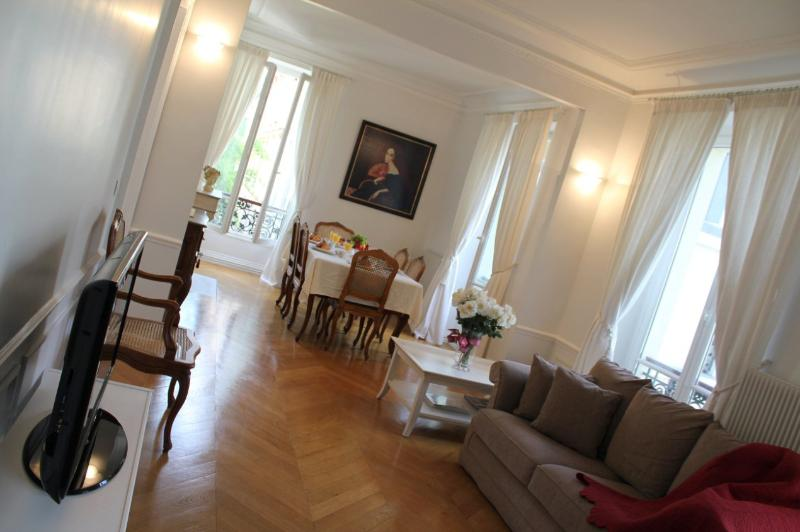 Marais Louise -Spacious 1 bedroom apartment - Image 1 - Paris - rentals