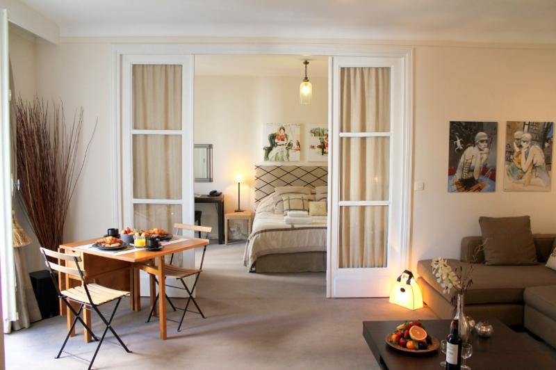 Living room - Etoile Elegance - Arc de Triomphe 1 bedroom apartment - Paris - rentals