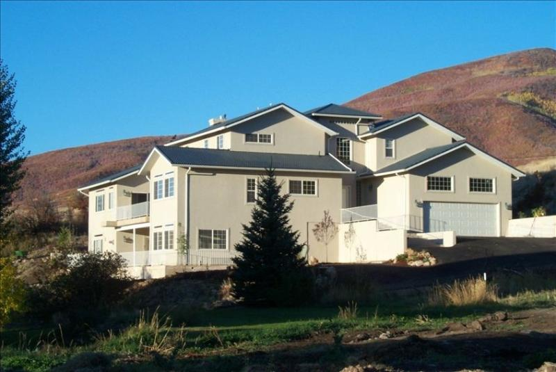 Hummingbird Springs Resort Home: Year-Round Fun and Adventure - Image 1 - Midway - rentals