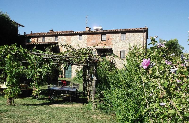 Il Melograno - Typical Tuscan farmhouse between Florence and Lucca - Pescia - rentals