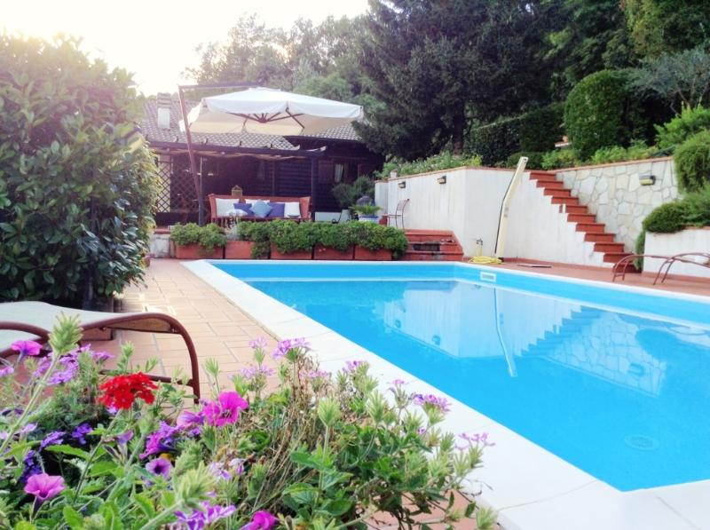 Pool and terrace - Luxury villa on the hills with pool in 5Terre Area - Podenzana - rentals