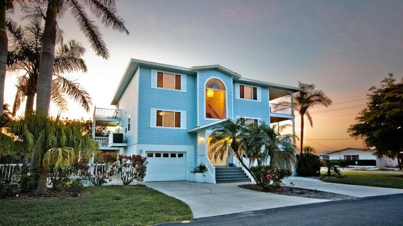 House exterior - Gorgeous views,spectacular home! - Anna Maria - rentals