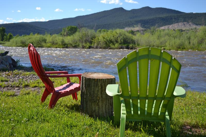 Spring River Chairs - Western Ambience on the Roaring Fork River - Carbondale - rentals