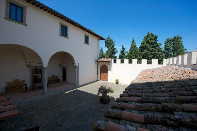 the courtyard - Rinuccino Renaissance Villa with Panoramic View - Fiesole - rentals