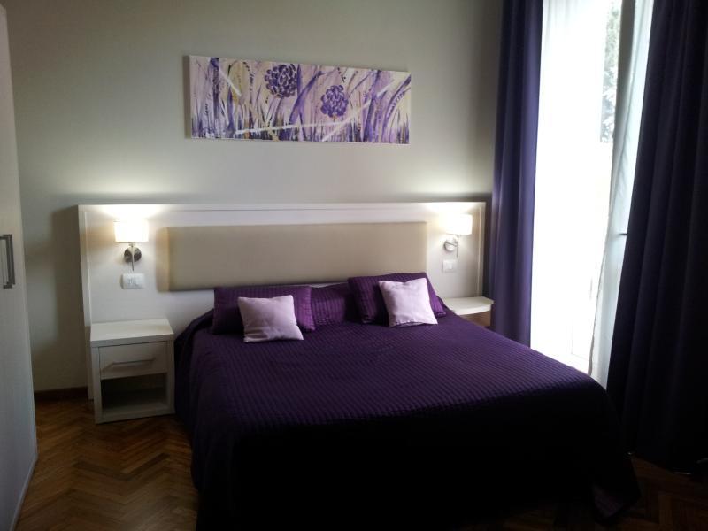 Bedroom 1 - Lodges le Mura 'Ponte Vecchio' - Florence - rentals