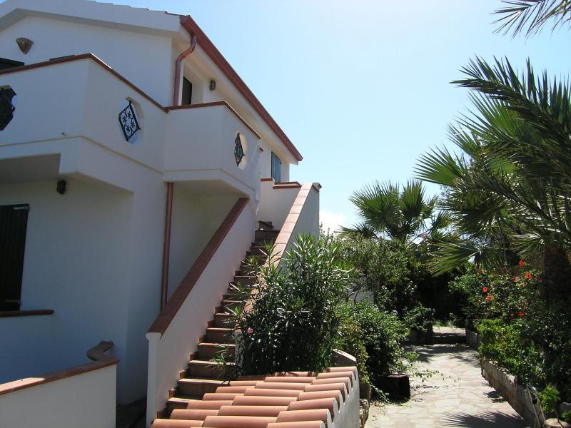 Exterior view of Casa Venturina - Cà Venturina Relax surrounded by blossoming garden - Calasetta - rentals