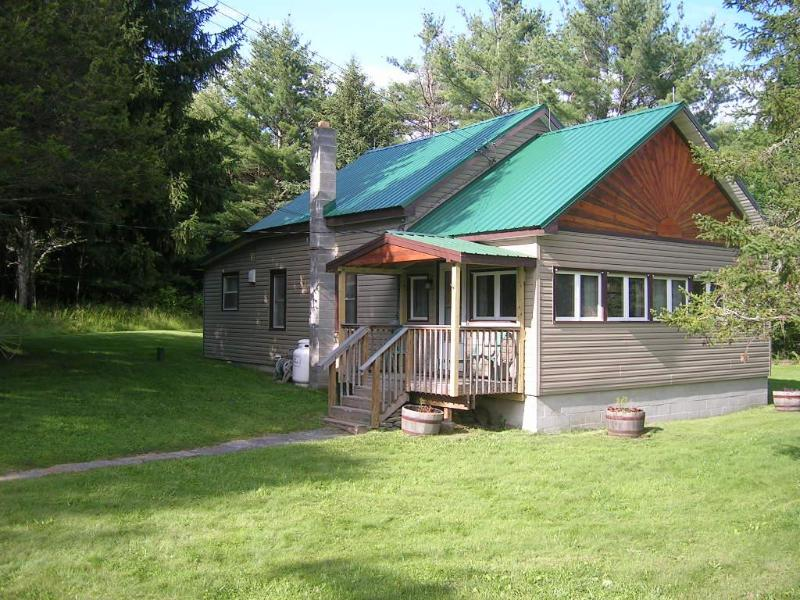 Entrance and porch - Home  in Windham NY, near Ski Windham, Catskills. - Windham - rentals