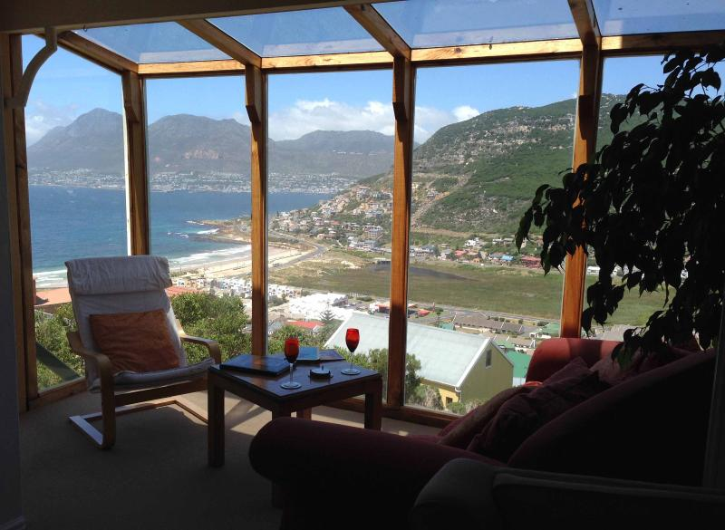 SUNROOM WITH A VIEW - Shell's Place - Best beaches in Cape Town - Fish Hoek - rentals