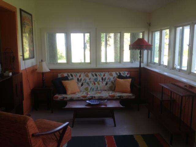 Living Area - Cozy Cottage on the Chesapeake Bay - Onancock - rentals