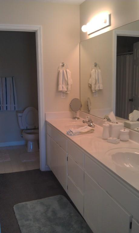 Master Bathroom/with seperate shower area - Walk to beach in this 2 Bedroom 2 Bath Condo - Panama City Beach - rentals