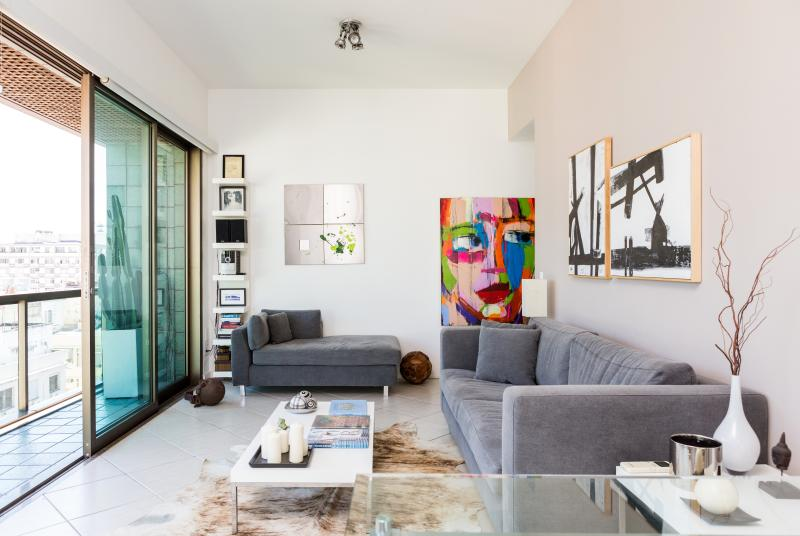LIVING ROOM - Ipanema-Stylish apartment in full service building - Rio de Janeiro - rentals