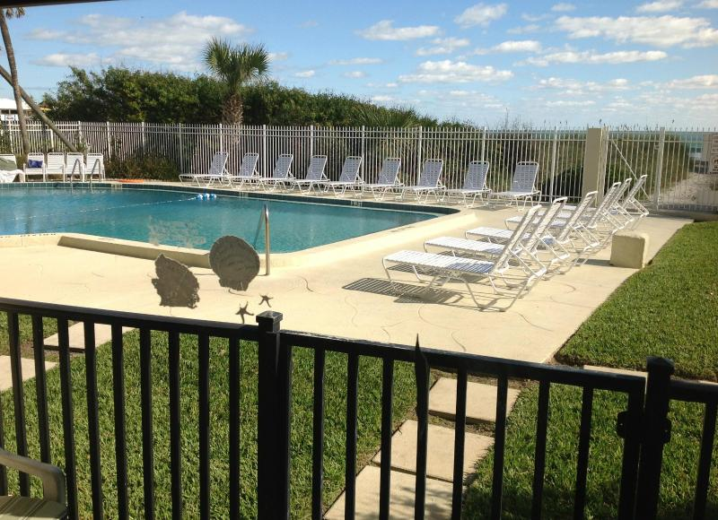 Patio with direct access to pool and beach - OCEANFRONT - GROUND FLOOR - 15 STEPS TO THE BEACH - Cocoa Beach - rentals