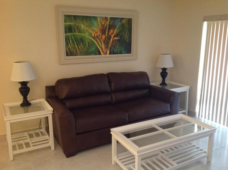 Living room with pull-out sofa - Next to Cocoa Beach Pier - Recently Renovated - Cocoa Beach - rentals