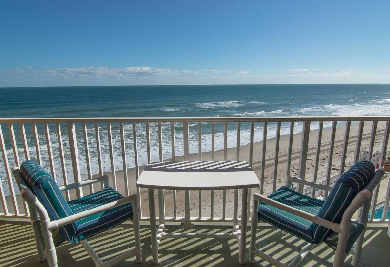Private direct oceanfront balcony - Penthouse - Direct Oceanfront - Fully Renoavted - Satellite Beach - rentals
