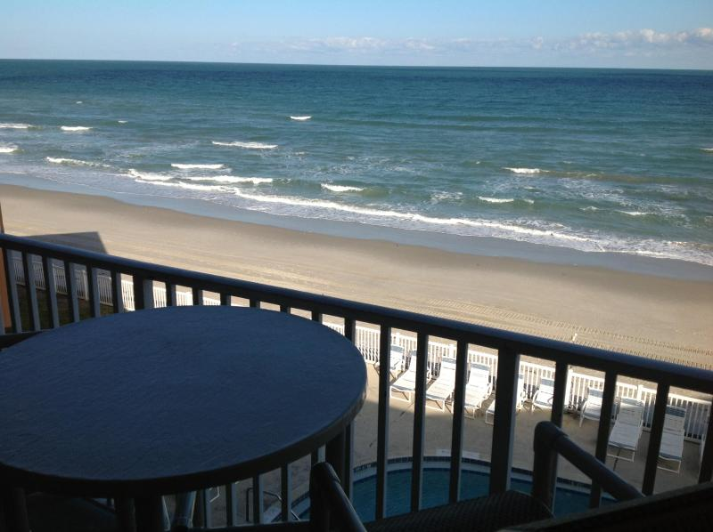 Private, double sized, direct oceanfront balcony (accessible from the living room and bedroom) - Penthouse- Oceanfront - Incredible Views- Spacious - Satellite Beach - rentals