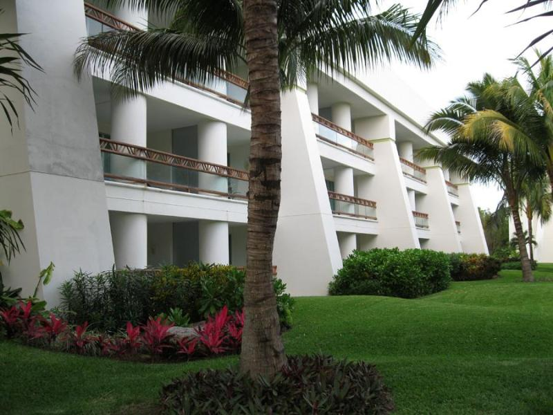 Grand Mayan building - Grand Mayan, 1-or 2-bdrm Suites, Riviera Maya - Playa del Carmen - rentals